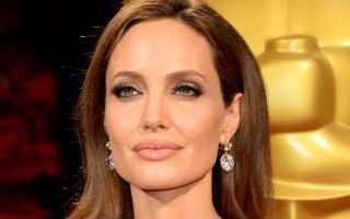 Какой размер груди у Анджелины Джоли